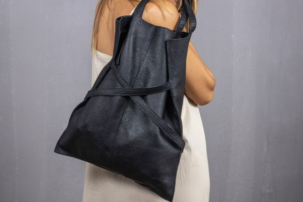 shopper-in-pelle-nera